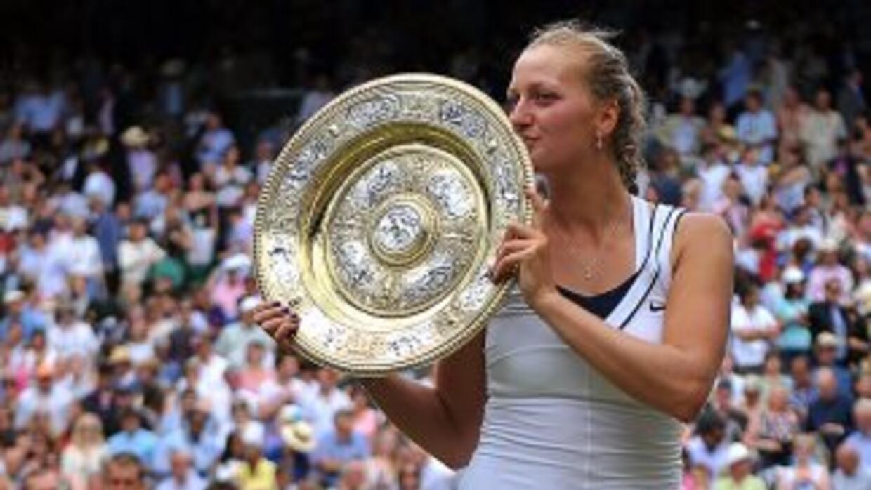 Kvitova es la primera checa en ganar un torneo del Grand Slam desde que...