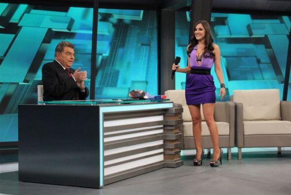La actriz llegó como  'Ana López', su personaje  en 'Una familia con Sue...