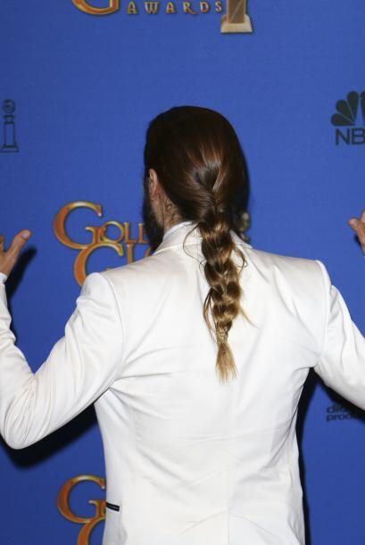 En los Golden Globes estuvo orgulloso de su trenza durante la alfombra.