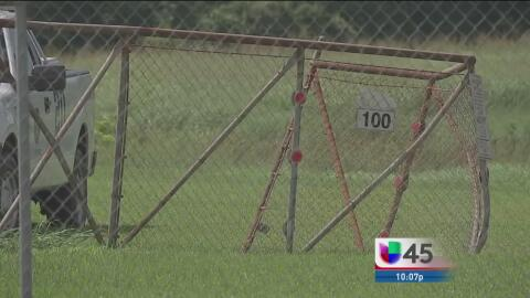 Buscan a sujetos que huyeron de una persecución en la autopista 90