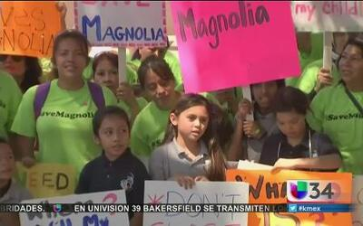Escuelas 'charter' están en la cuerda floja en LA