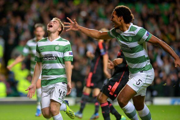 El Celtic hizo valer su localía y se impuso al Ajax por 2-1.