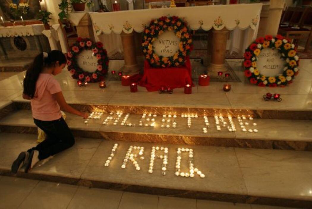 1 de noviembre - 58 muertos, en su mayoría mujeres y niños, en el asalto...