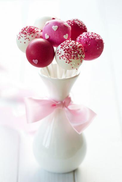 Hay dulces que puedes mandar a hacer y personalizarlos con monogramas o...