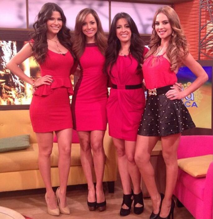 """""""Hoy todas las chicas nos vestimos de rojo en @DespiertaAmericaTv... ¡¡¡..."""