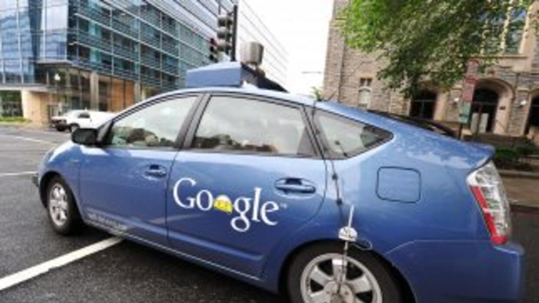 El auto sin conductor de Google paseó cerca del Capitolio, en Washington.