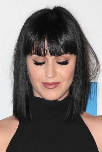 Katy es fanática del delineador en los párpados porque te puede otorgar...