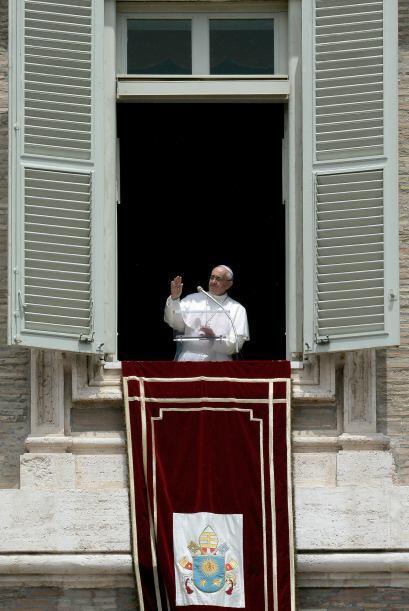 13 junio: El papa Francisco anunció la publicación pr&oacu...