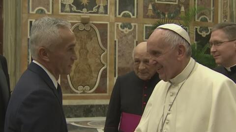 Video del encuentro de Jorge Ramos con el Papa Francisco en el Vaticano