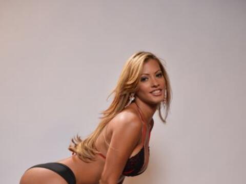 Esta sexy chica es Jessy González y quiere convertirse en Miss Co...