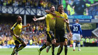 Layún marcó su primer gol en la Premier League en su debut ante Everton