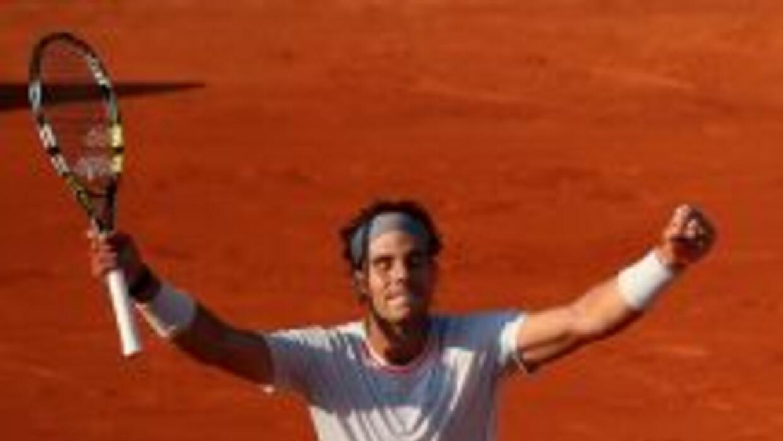 Nadal celebra su pase a octavos de Roland Garros.