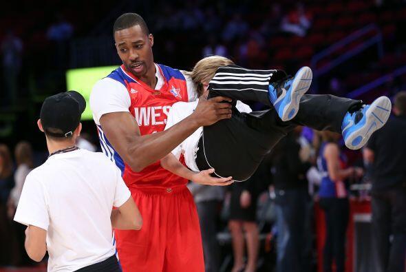 El Juego de las Estrellas de la NBA se llevó a cabo en el Toyota Center...