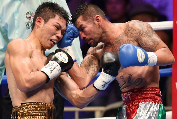 La pelea continuó y Edgar Puerta le puso ganas para contrarrestar...