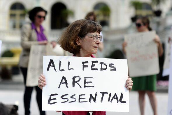Según IHS, el pago a los empleados federales está consider...