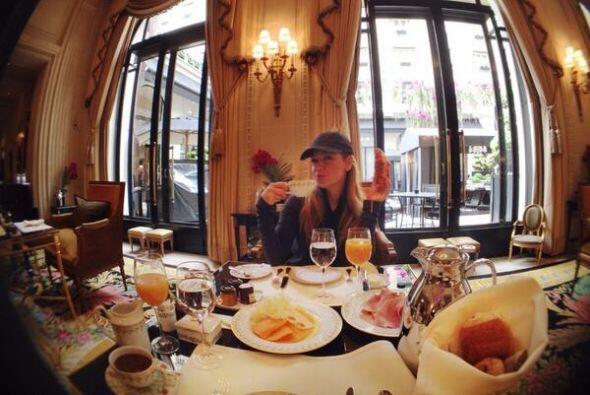 """Y nada mejor para comenzar que un rico desayuno, """"Le petit d&eacute..."""