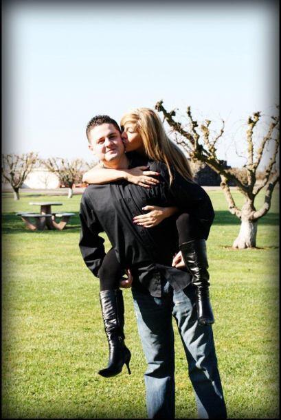 El novio de Ivette se llama Jason Larsen y llevan 6 años juntos.