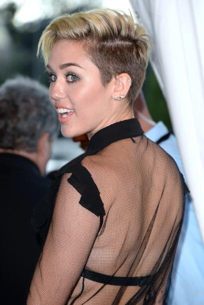 Miley Cyru también decidió cambiar de look este año.