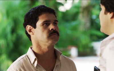 El estreno de la serie 'El Chapo'. 'El Chapo' Guzmán conoce a Pab...