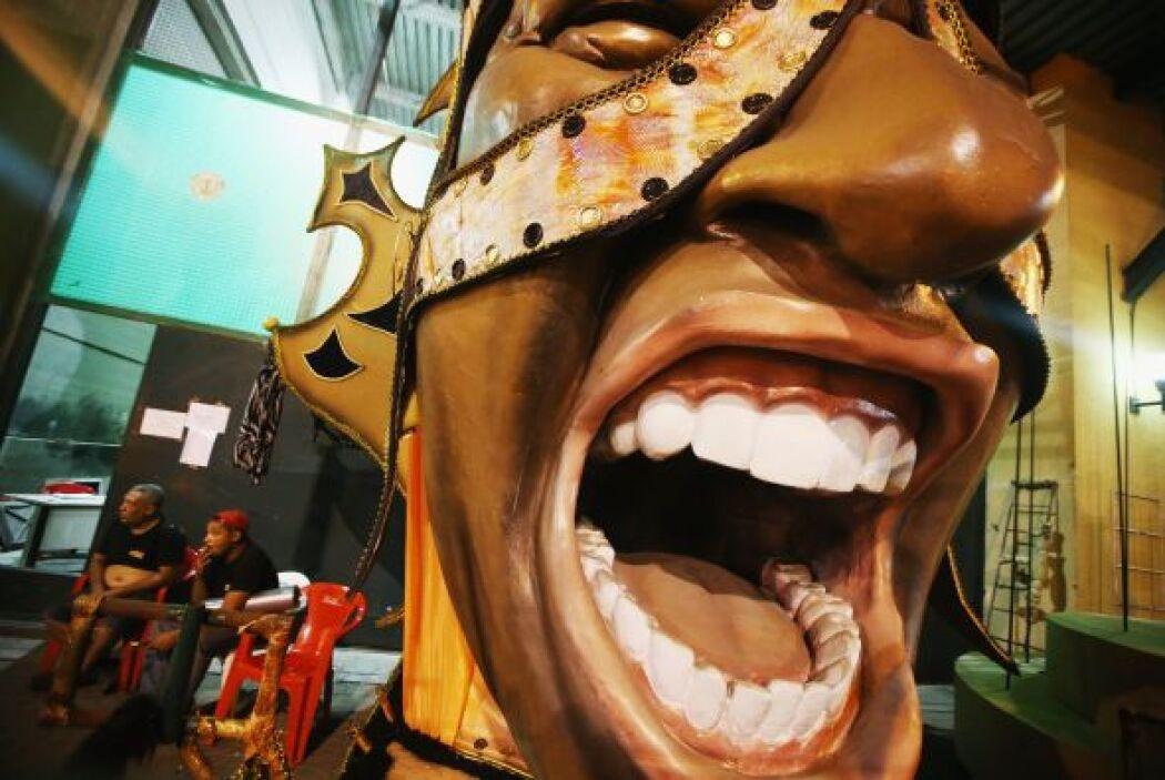En Sao Paulo, la mayor ciudad de Brasil, las escuelas de samba de elite...