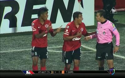 Tijuana derrotó a Toluca por lo mínimo con un golazo del colombiano Duvi...
