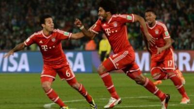 Dante anotó el primer gol del Bayern en la final.