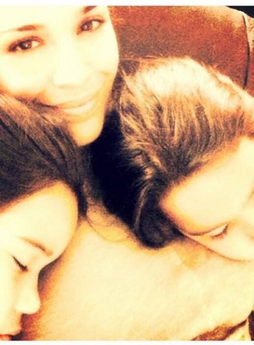 """""""Esto es vivir! #bendecida #amosersumama #antonellaymichaella #durmiendo..."""