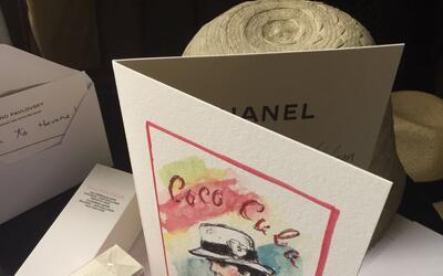 Evocando la figura de Coco Chanel 600 invitados recibieron esta tarjeta...