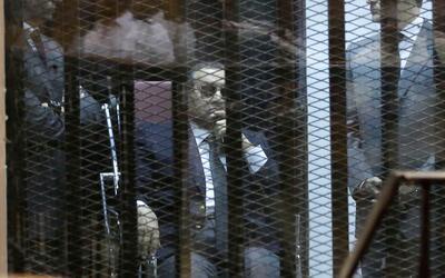 Condenan a Mubarak a tres años de prisión por corrupción
