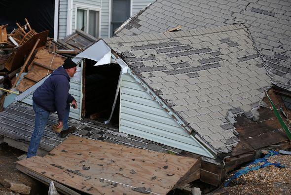 En Nueva York y Nueva Jersey, muchas viviendas resultaron dañadas. Algun...