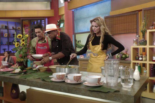 ¡De-li-cio-so! Ahora Marjorie ya sabe cocinar sancocho apambichao,...