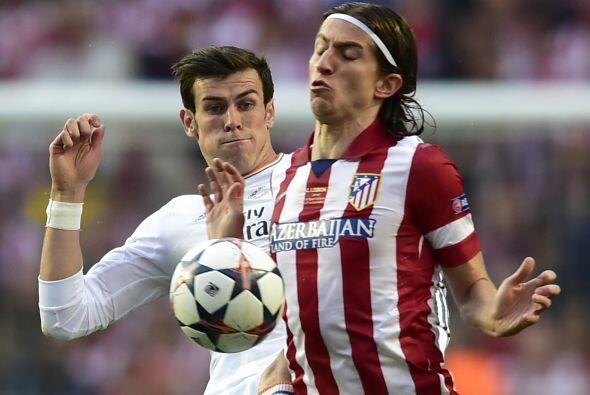 Luiz trataba de contener a Bale y compañía.
