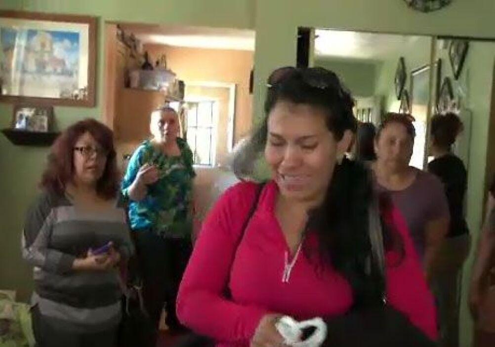 Doña Patricia Jiménez espera noticias sobre su hijo, quien ilusionado Vi...