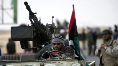 Aunque Misrata está aislada del resto del país por vía terrestre, sigue...