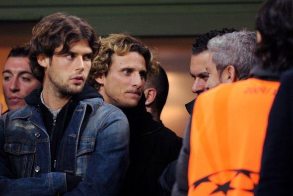 Diego Forlán estuvo en el estadio pero no participó del juego ya que se...
