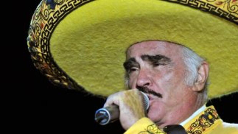 El cantante hizo un llamado a los hombres mayores de 40 años para que se...
