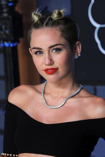 Algo que no te recomendamos es imitar el 'look' a Miley Cyrus. De verdad...