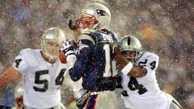 Los Raiders aventajavan a Patriots por 3 puntos, Tom Brady intentó pasar...