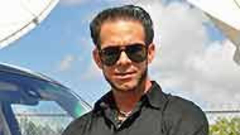 Yunior se Confesó en una Range Rover 08fd31cea7de45b386461d74727cd237.jpg