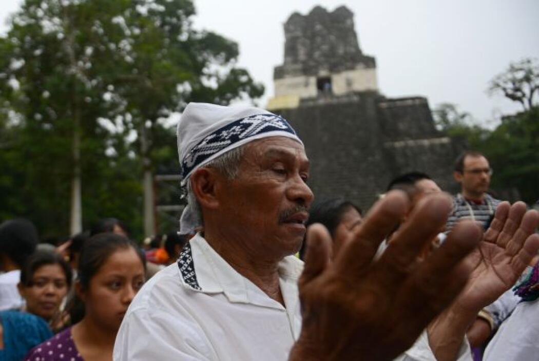 Pero ante el riesgo de pánico, especialistas y líderes mayas, gobiernos...