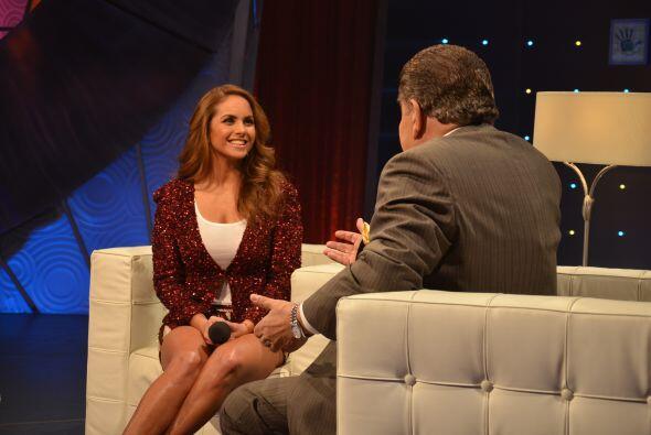 Ella se veía cómoda respondiendo ante las preguntas del presentador y so...