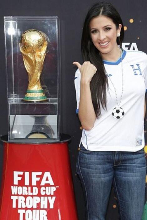 """""""¿Quién alzará este trofeo y se coronará como el próximo campeón de la @..."""