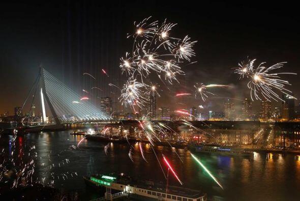 El puente Erasmus en Rotterdam (Holanda) fue otro de los lugares donde s...