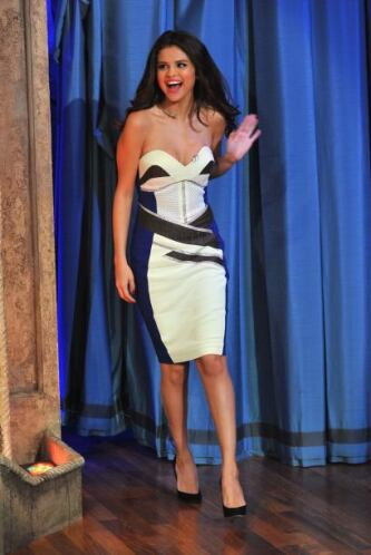 Selena Gomez no para de trabajar y últimamente se la ha pasado promocion...