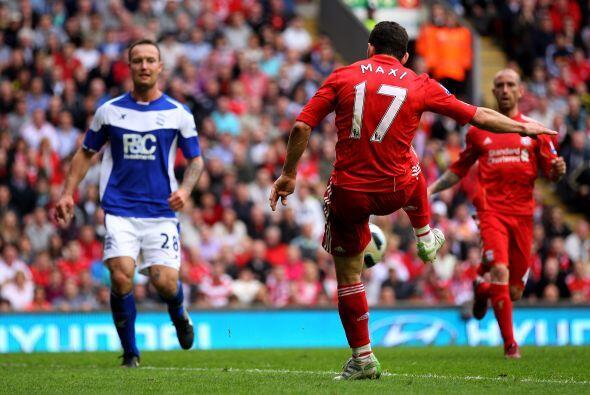 Tres goles hizo Maxi para guiar a los 'Reds' a un triunfo 5-0 dsobre Bir...