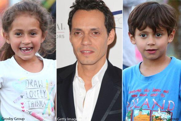 Mira el gran parecido, son idénticos a su papá. Mira aqu&i...
