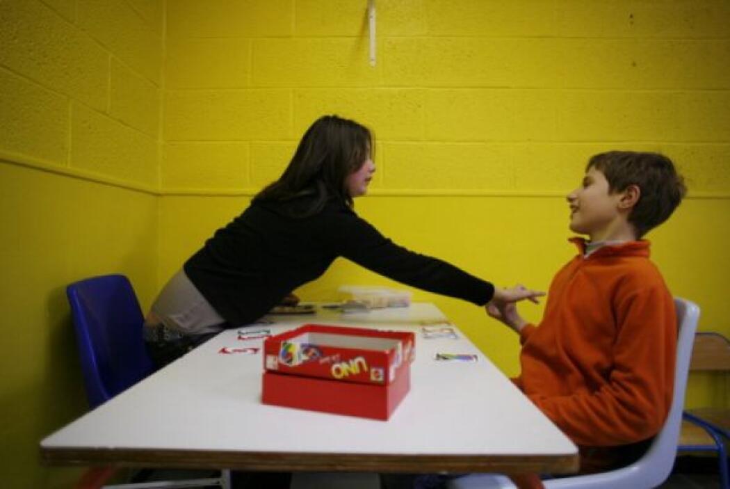 El CDC enfatiza que aunque no hay cura para el autismo, detectarlo a una...