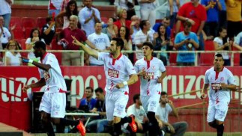 Negredo hizo cuatro goles para guiar al Sevilla.