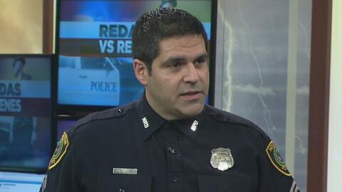 """Policía de Houston: """"Nuestra política prohíbe a oficiales participar en..."""