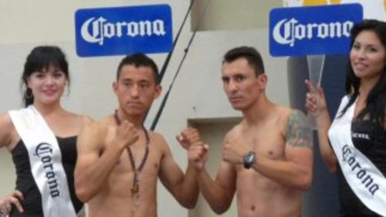 Arturo Badillo y Hugo Cázares cumplieron con el peso previo a su encuent...